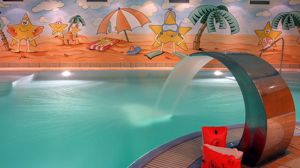 Pool-2003.jpg